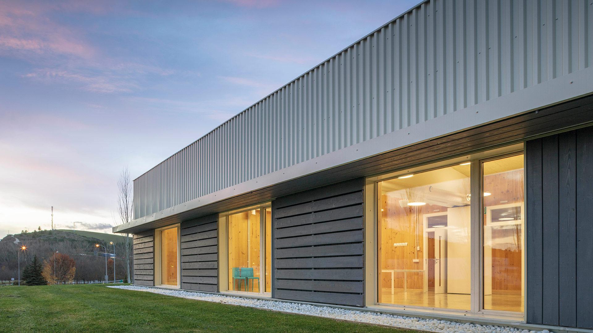 Edificio-dotacional-nZEB-en-Olloki-Proyecto-ByEarquitectos-Pamplona-Navarra-00-Portada